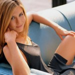 Jennifer Aniston Buys in Bel Air